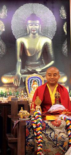YMRfrontofbuddha2